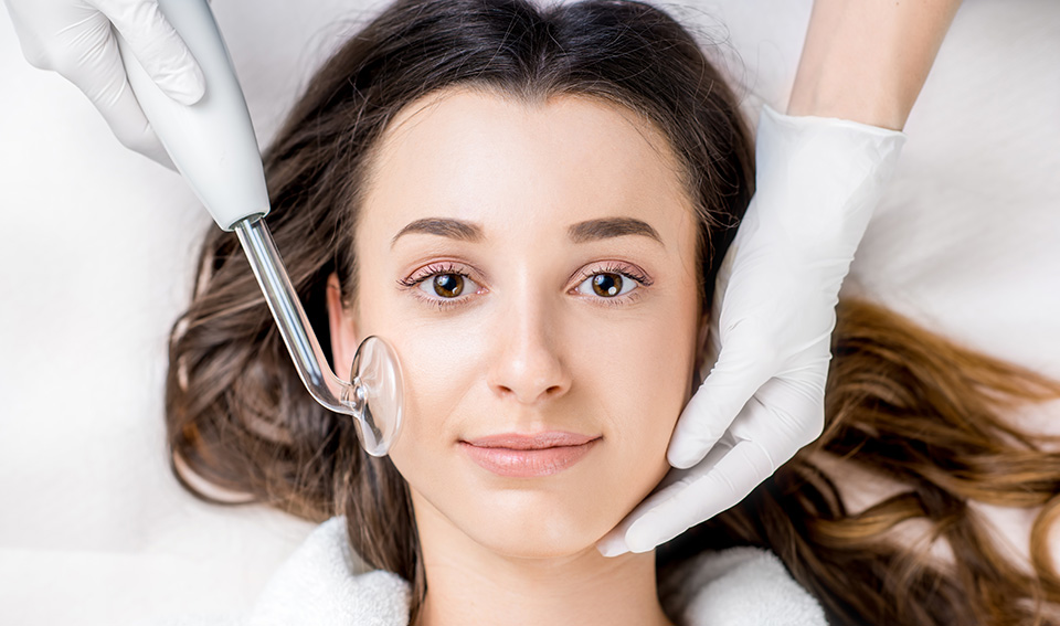 acne facial with high frequency service img